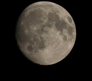 """Månen foto i Länna 14/9 2016 ISO 100 Exp. 1/500 sek / BJÖRN o Matte ( primärfokus 10"""" sky-watcher med Canon 60d )"""